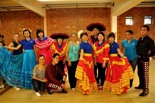 本校「2013年國際青年大使團」前往墨西哥進行文化交流。