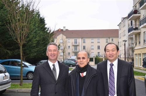 法文系傑出系友榮獲法國道路命名殊榮。