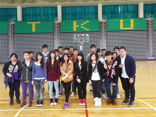 香港道教聯合會四所中學70位師生蒞校參訪。
