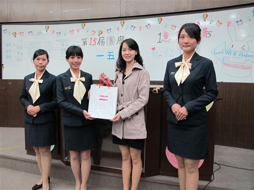 親善大使團歡慶祝15週年團慶。