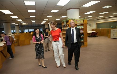 奧地利維也納大學校長Prof. Heinz W. Engl伉儷蒞校參訪。