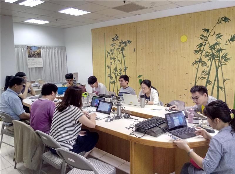電腦教育、多元數位-手機APP程式設計