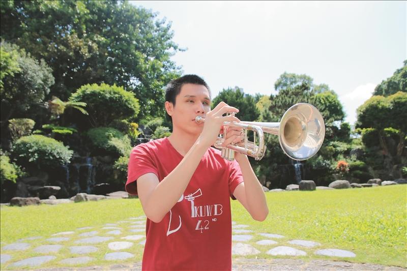 中文四陳威辰 全盲小號手吹響臺北爵士音樂節